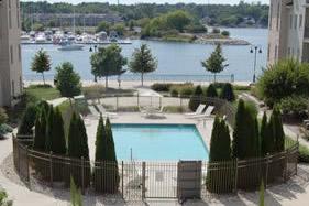 5door-county-resort-outdoor-pool