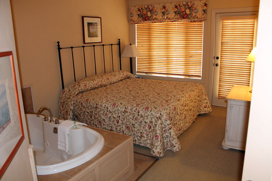 door img hotels harbor suite two premiere stone resort bedroom county holidays